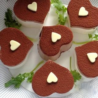 Bánh phô mai cacao hình trái tim tặng mẹ