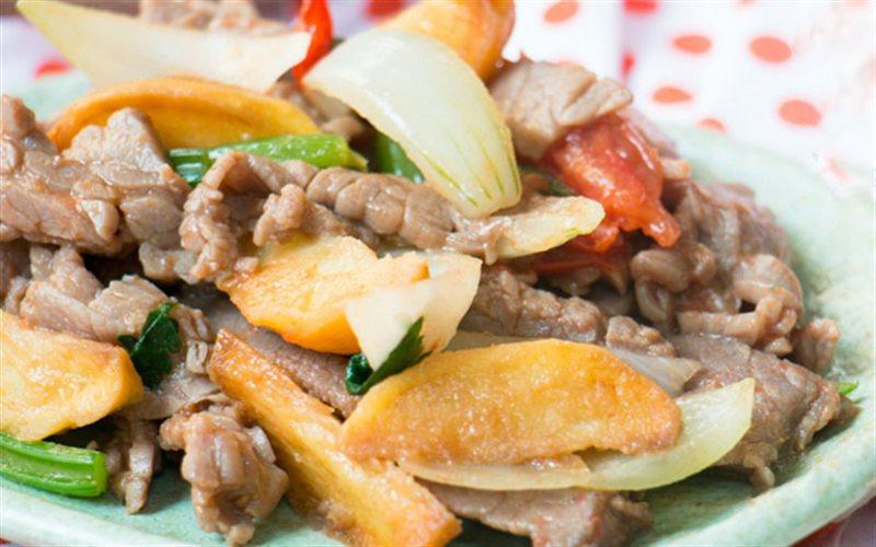 Kết quả hình ảnh cho Thịt bò xào khoai tây