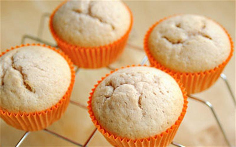 Cách Làm Cupcake Kem Phô Mai Dâu Tây Đơn Giản