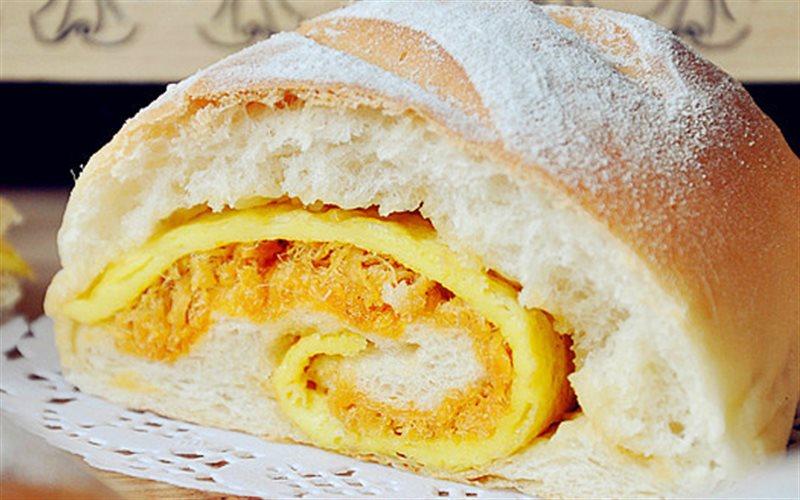 Cách làm Bánh Mì Chà Bông Trứng Chiên ngon hơn ngoài hàng