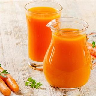 Cách làm nước ép cà rốt bằng máy xay sinh tố