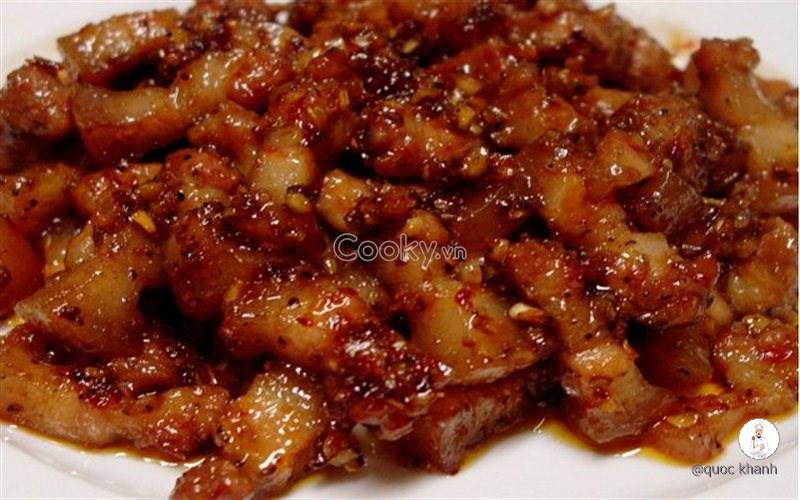 Cách Làm Thịt Kho Mắm Ruốc Cực Đậm Đà Thơm Ngon - ảnh 2.