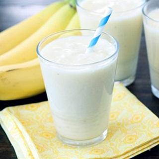 Cách làm sinh tố chuối sữa tươi