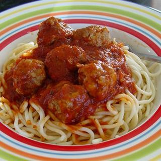 Cách Làm Mì Ý Thịt Viên Kèm Sốt Cà Chua Thơm Ngon