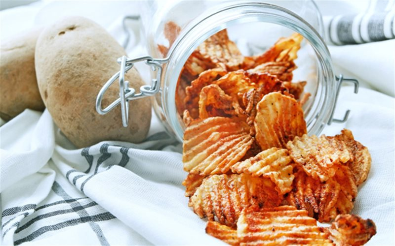 Cách làm Snack Khoai Tây Chua Cay ngon không thể cưỡng