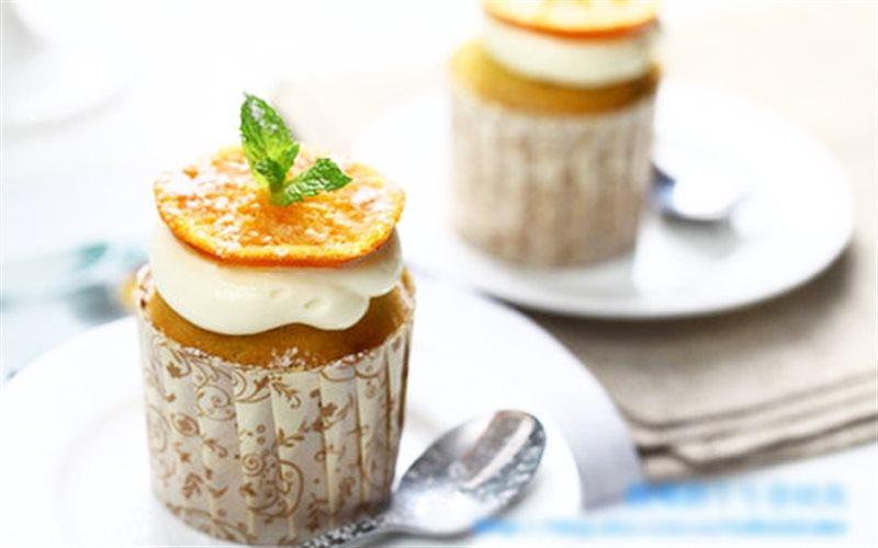 Cách làm cupcake cam tươi