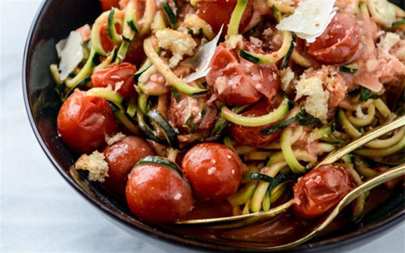 Cách Làm Spaghetti Từ Sợi Bí Ngòi Cho Bạn Ăn Kiêng