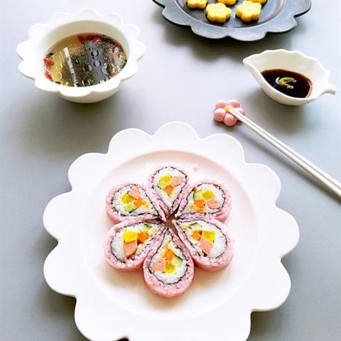 Sushi hoa anh đào