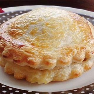 Cách làm Bánh Pateso nhân thịt giòn tan thơm lừng