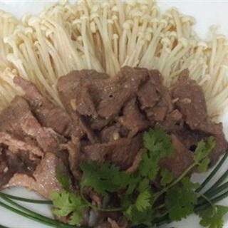 Thịt bò xào nấm kim châm