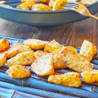 Cách làm khoai tây nướng muối tiêu