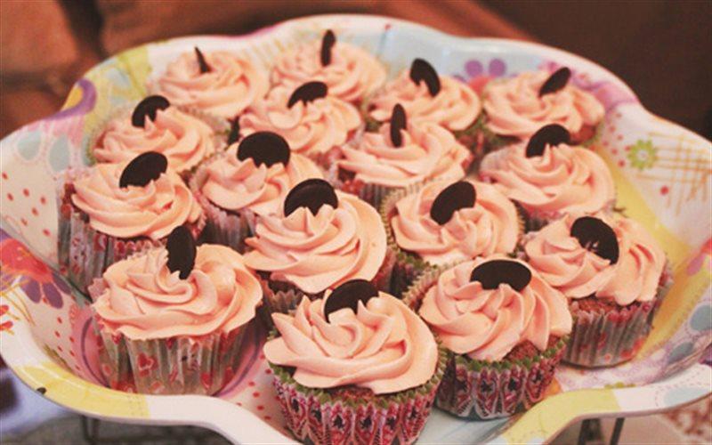 Cách Làm Bánh Cupcake Chocolate Mềm Xốp Hấp Dẫn