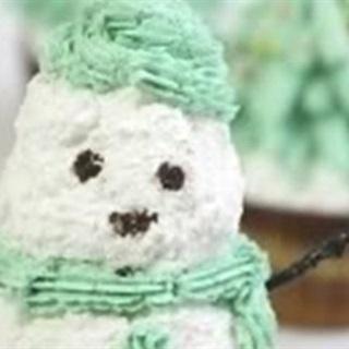 Cách Làm Cupcake Người Tuyết Ngon Miệng Đơn Giản