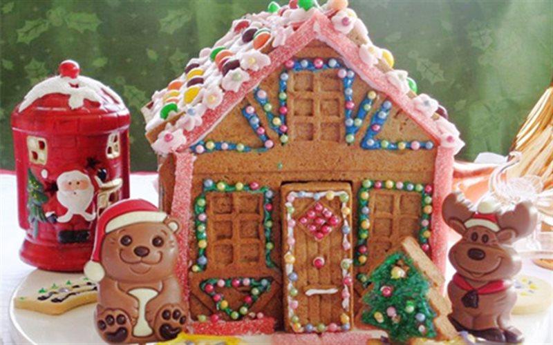 Cách Làm Bánh Gừng Hình Nhà Cho Tiệc Giáng Sinh