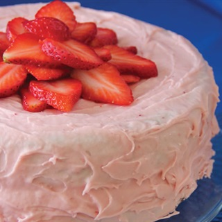 Cách làm Strawberries mousse cake