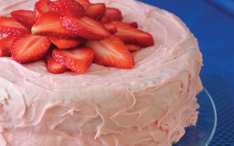Cách làm Strawberries mousse cake