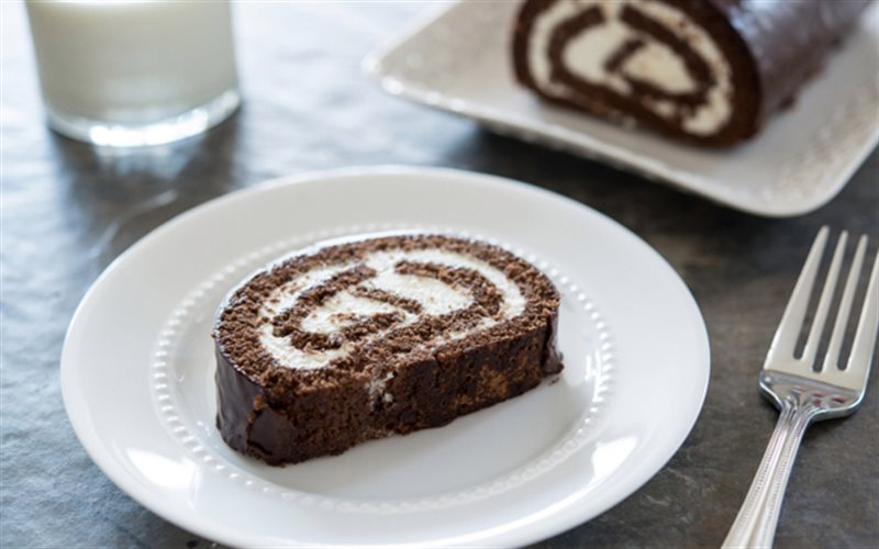 Cách Làm Bánh Bông Lan Cuộn Chocolate | Thơm Ngon