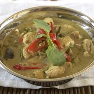 Cách làm cà ri xanh Thái Lan