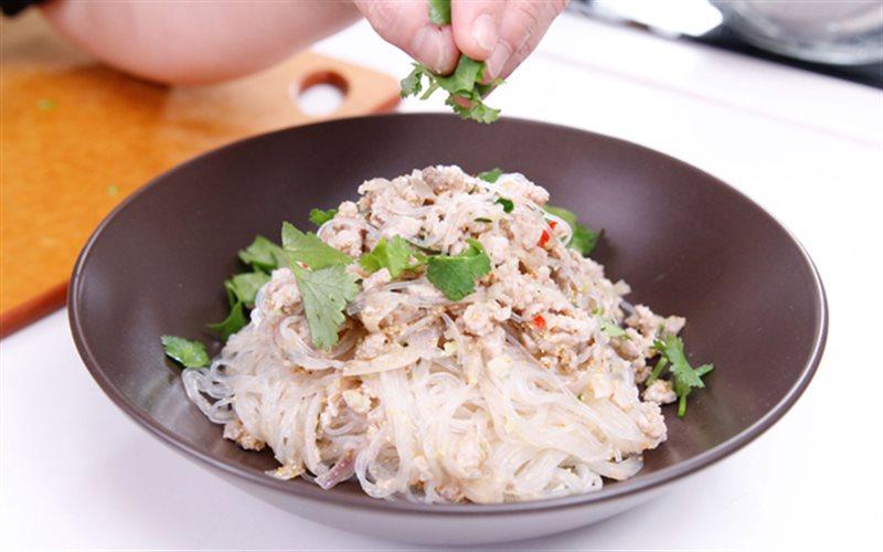 Cách Làm Miến Xào Kiểu Thái Thơm Ngon Cho Bữa Sáng