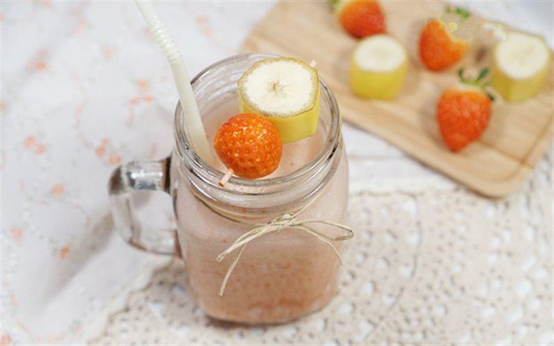 Cách Làm Sinh Tố Chuối Mix Dâu Tây Bổ Sung Vitamin