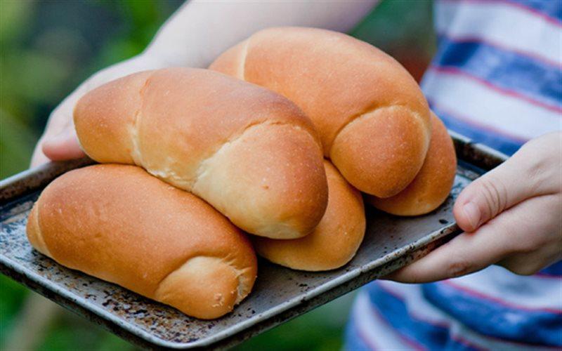 Cách Làm Bánh Mì Cuộn Dừa Nướng, Thơm Hương Lá Dứa