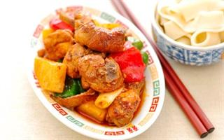 Thịt gà om khoai tây