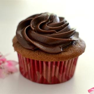 Cách Làm Cupcake Chocolate Kem Tươi Cực Kỳ Ngon