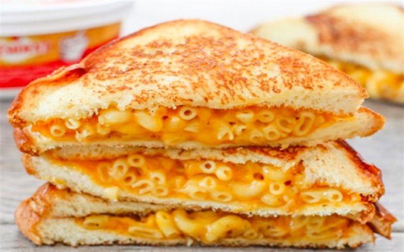 Cách Làm Bánh Mì Kẹp Phô Mai Béo Ngậy Cho Bữa Sáng