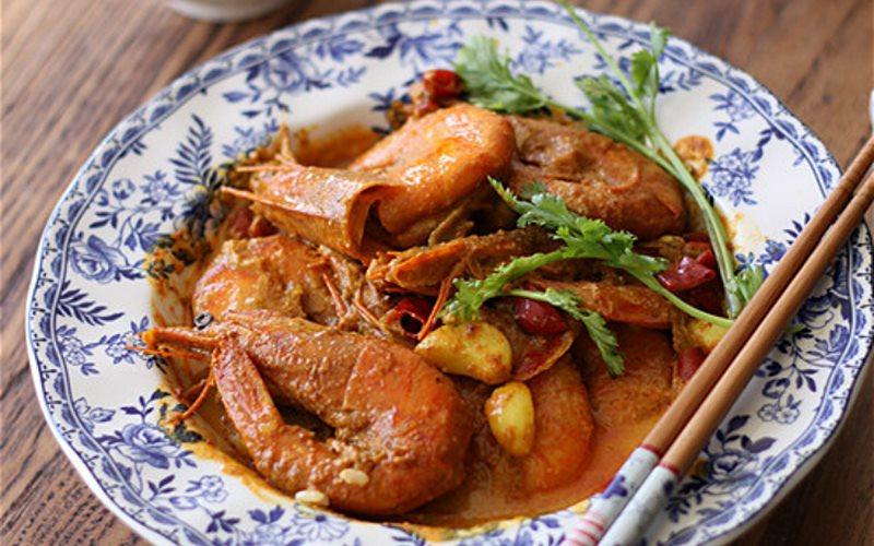 Cách làm Tôm Nấu Cà Ri đậm đà đặc trưng ăn cùng cơm cực đã