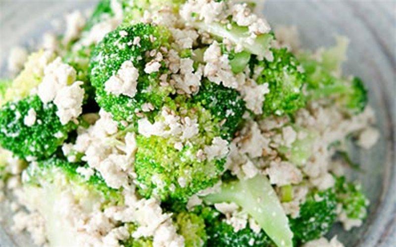 Cách Làm Salad Đậu Hũ Và Bông Cải Xanh Ngon Miệng