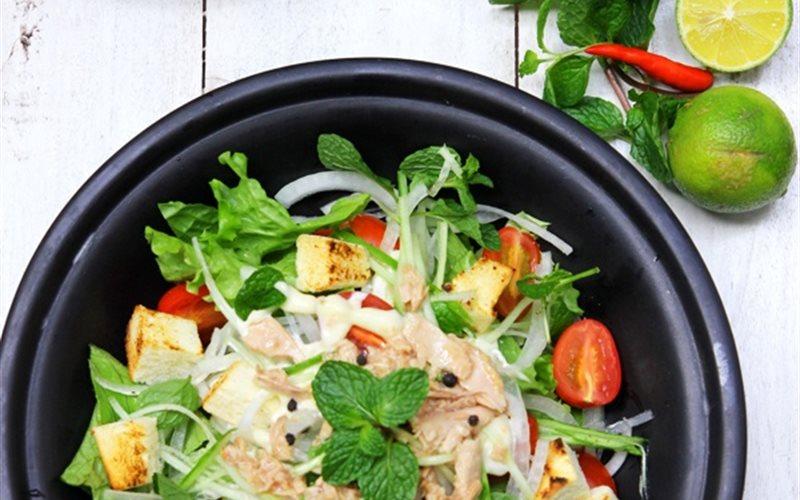 Cách làm salad cá ngừ đơn giản