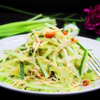 Salad dưa leo thịt gà xé