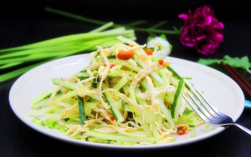 Cách Làm Salad Dưa Leo Thịt Gà Xé Cho Bạn Ăn Kiêng