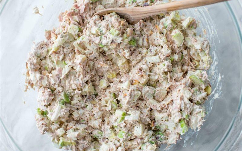 Cách Làm Salad Cá Ngừ Trộn Ăn Kiêng Cực Đơn Giản