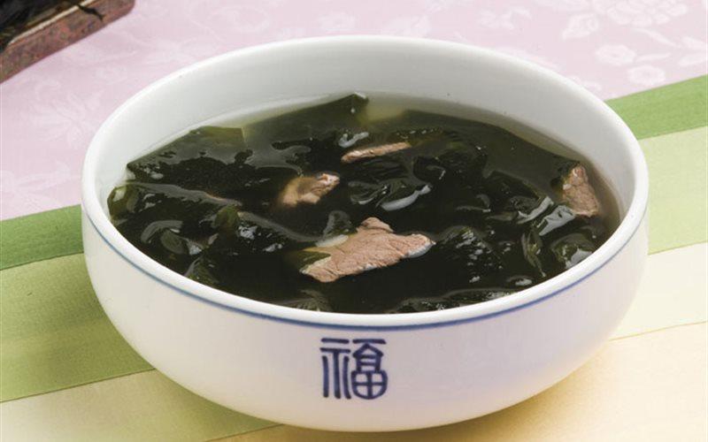 Cách làm Canh rong biển thịt bò chuẩn Hàn