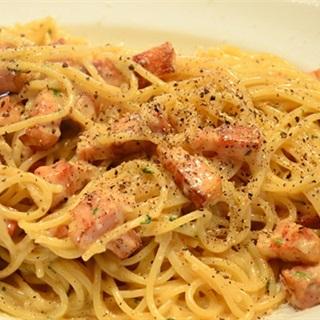 Cách làm Carbonara Pasta phô mai thịt xông khói béo ngon