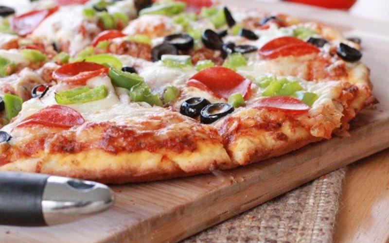 Cách làm Pizza phô mai cho bữa sáng đơn giản tại nhà