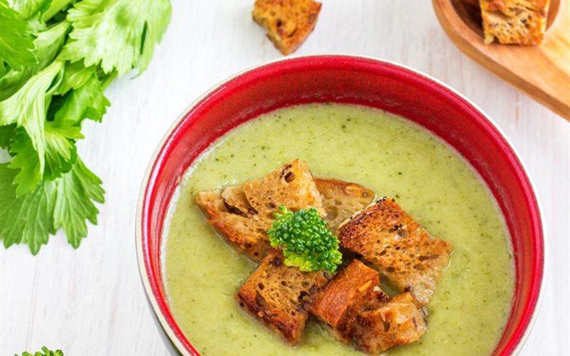 Cách làm Súp bông cải xanh cần tây