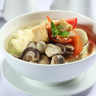 Cách làm canh chua chay kiểu Thái