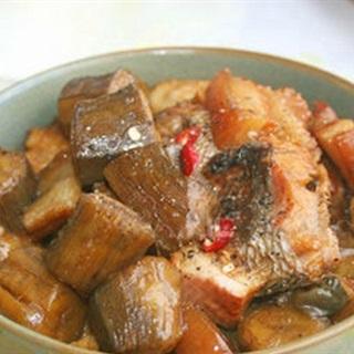 Cách làm Cá Kho Chuối Xanh ngon cơm và không bị tanh