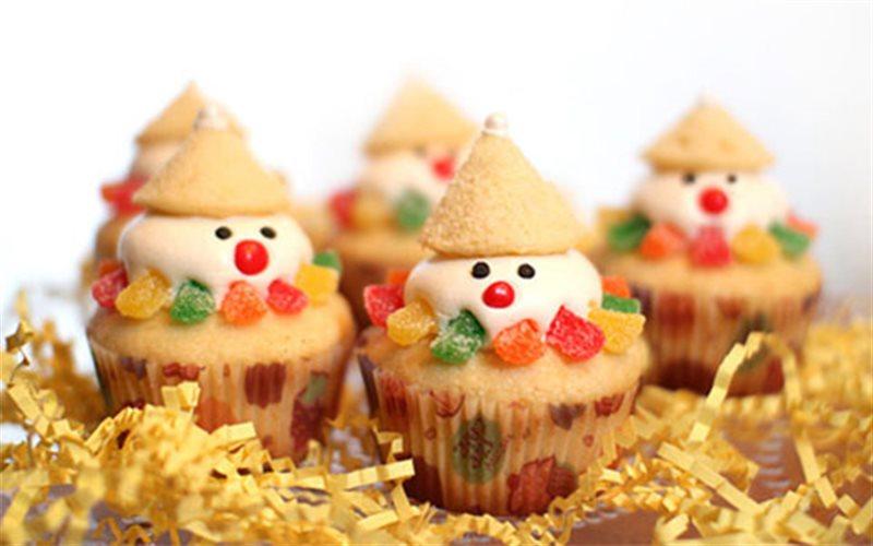 Cách Làm Bánh Cupcake Người Tuyết Thơm Ngon Ở Nhà