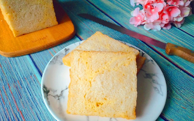 Cách làm bánh mì sữa nướng thơm béo