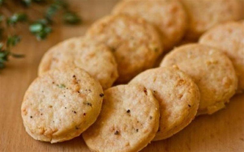 Cách Làm Bánh Quy Thịt Xông Khói Cho Bé ăn vặt