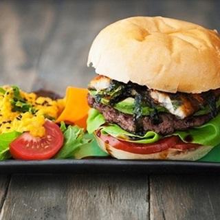 Cách Làm Hamburger Hương Vị Nhật Độc Đáo Thơm Ngon