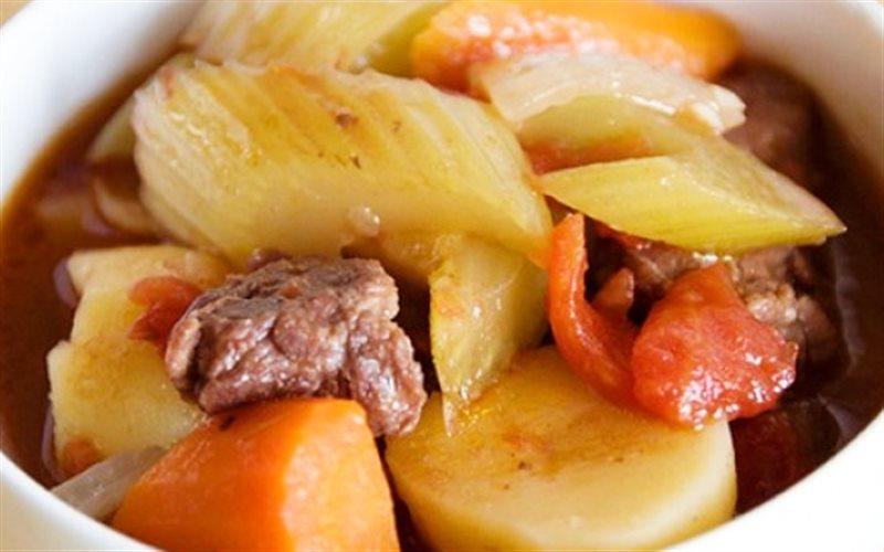 Cách làm Thịt Bò Sốt Vang thơm ngon hấp dẫn cho bữa tiệc