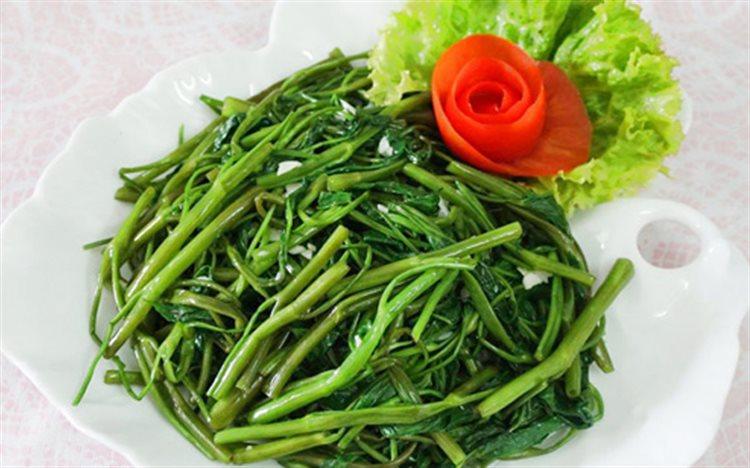 Cách làm rau muống xào tỏi băm