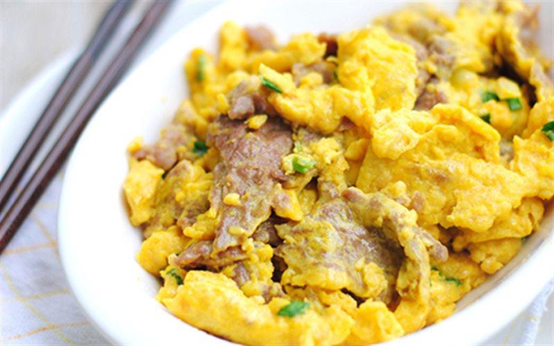 Cách Làm Trứng Xào Thịt Bò Thơm Ngon Cho Cả Nhà