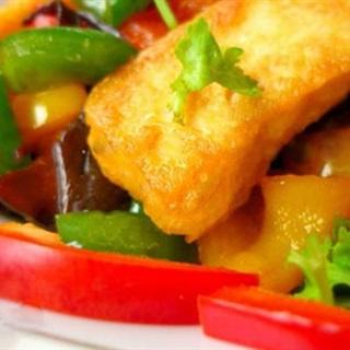 Cách làm Đậu Hũ Xào Nấm Mèo Ớt Chuông đơn giản cho bữa cơm