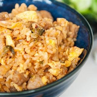 Cơm chiên kimchi cay