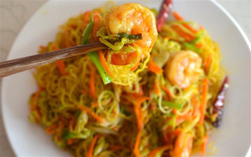 Cách làm Bún Xào Singapore hải sản, cho bữa sáng gia đình